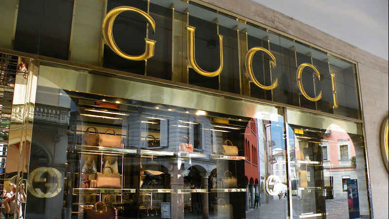 Il sindacato Unia contro la legge sui nuovi orari di apertura dei negozi