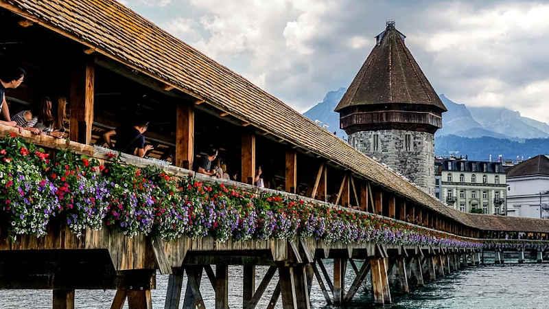 Ulteriori restrizioni al Canton Lucerna